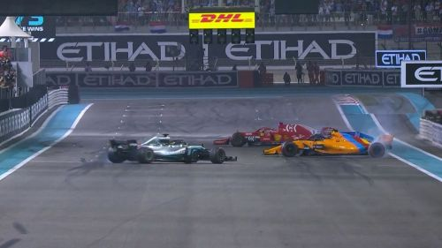 Lewis Hamilton, Fernando Alonso and Sebastian Vettel perform donuts at Abu Dhabi