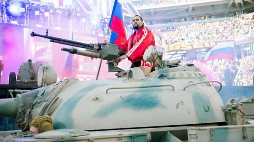 Rusev entered the arena on a tank!