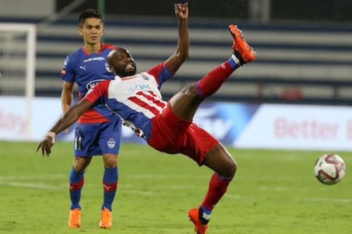Andre Bikey of ATK attempts to clear the ball during the match against Bengaluru FC (Image: ISL)