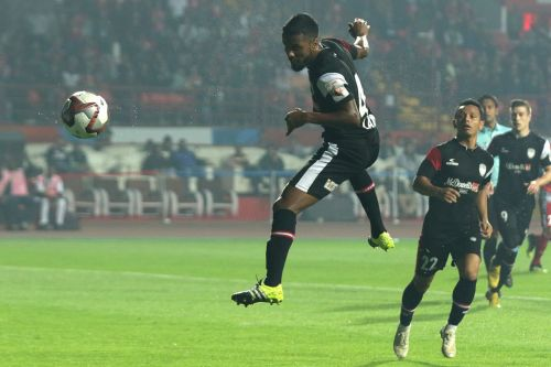 Lakra was clinical with his interceptions, man-marking and crucial tackles both inside and outside of the box (Image Courtesy: ISL)