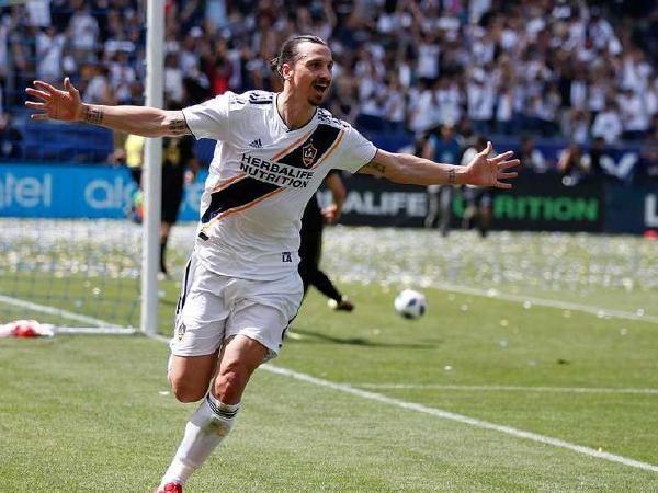 Zlatan celebrating the 500th career goal
