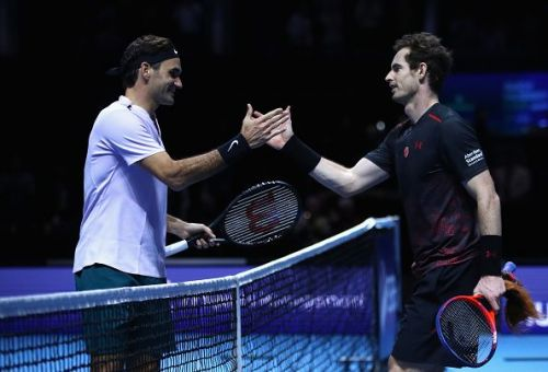 Roger Federer (L) and Andy Murray