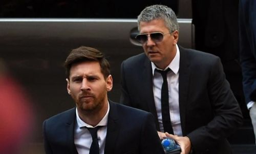 Messi along with his father, Jorge