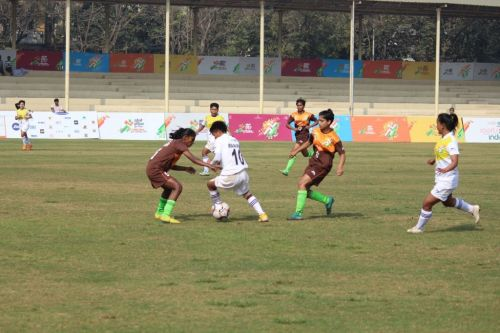 Manipur and Bihar U-21 girls in action at Khelo India Youth Games.