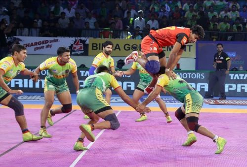 Pawan Sehrawat's incredible jump of 5 feet 6 inches versus Patna Pirates (43-41).