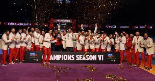 Bengaluru Bulls clinched the trophy of PKL Season 6 in an emph