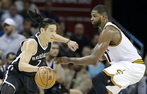 Jeremy Lin and Tristan Thompson