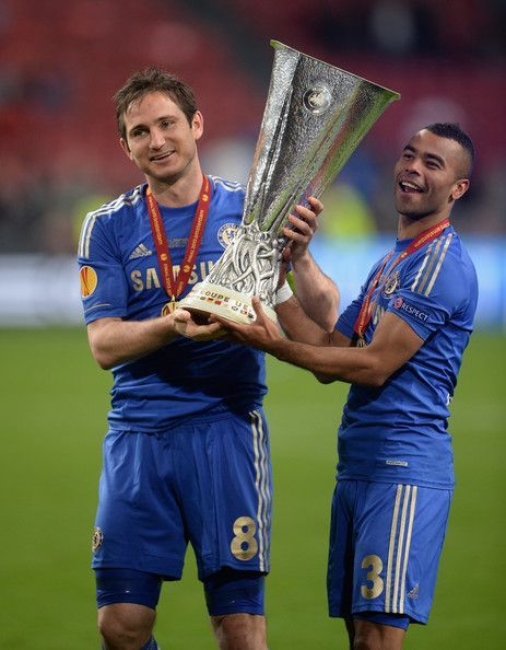 Frank Lampard and Ashley Cole with the Europa League Cup