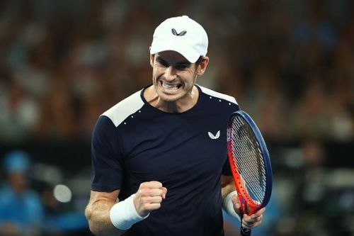 Murray fist pumps during his first round