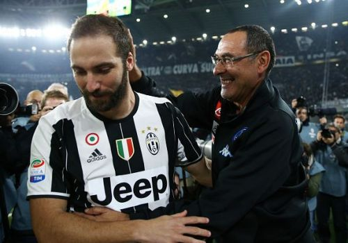 Gonzalo Higuain has formally requested AC Milan to be allowed to join Chelsea.