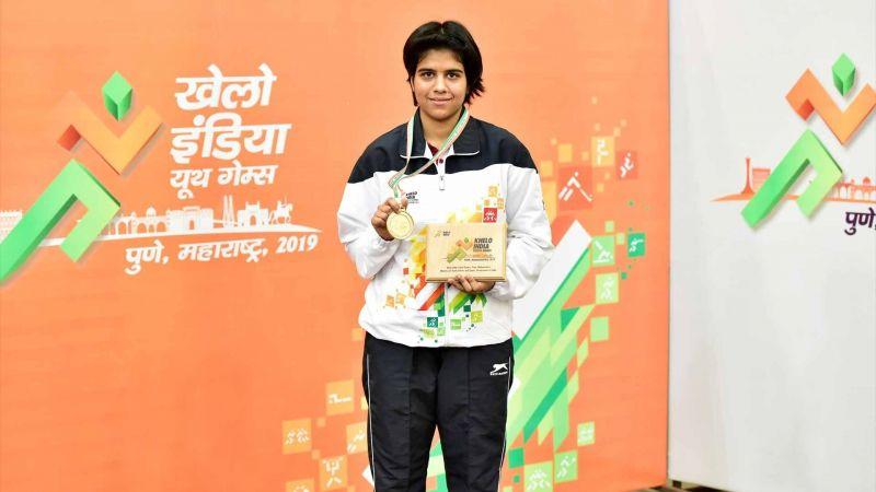 Girls U-21 table tennis singles champion Surabhi Patwari poses for the cameras.
