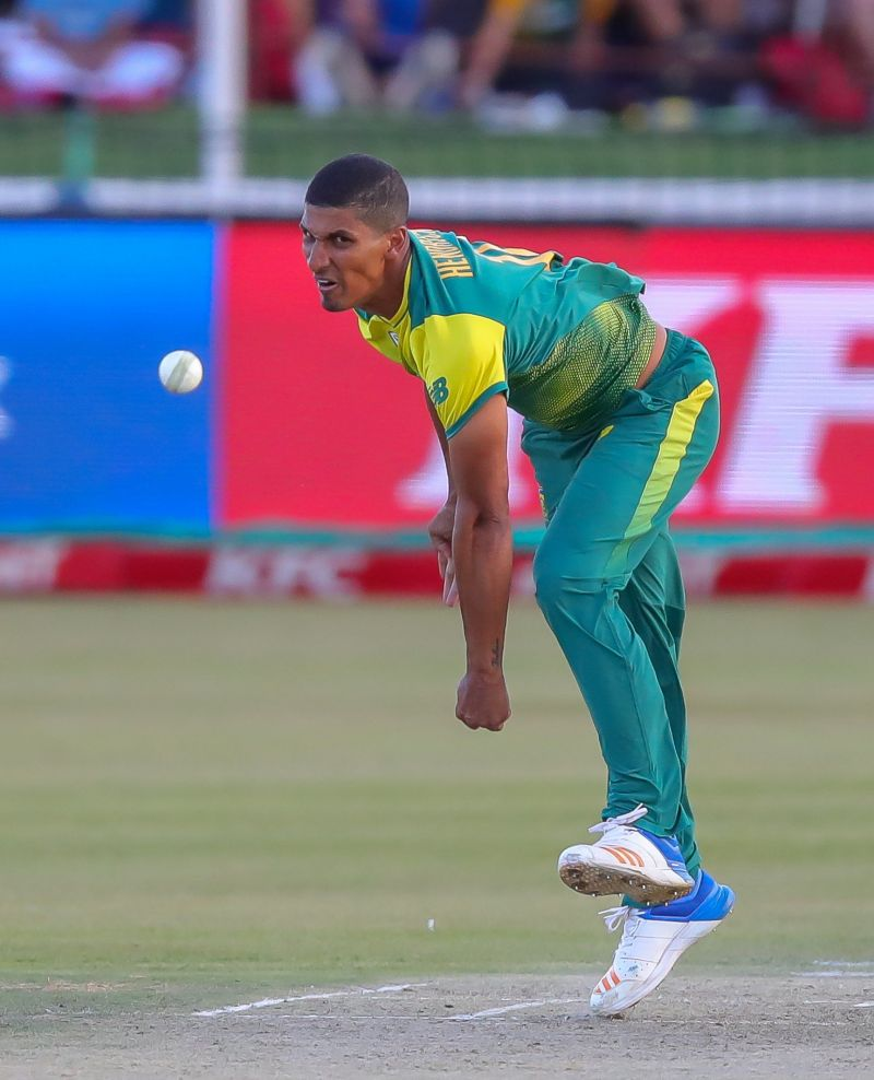 Beuran Hendricks replaces Oliver