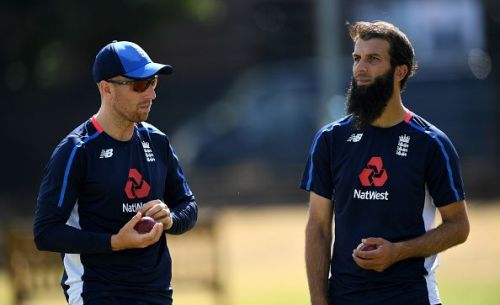 Moeen Ali (R) and Jack Leach had a great outing in Sri Lanka