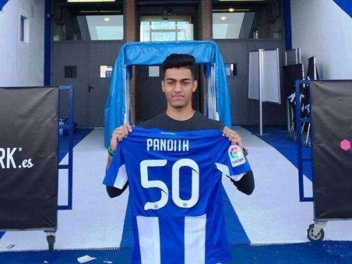 Ishan Pandita posing with CD Leganes jersey