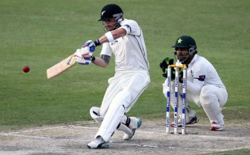 McCullum, smashing his way to 186-ball double hundred