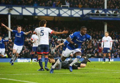 Zouma wheels away to celebrate his first Everton goal