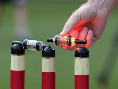 Lighting bails and stumps were first used in a BBL game in Melbourne