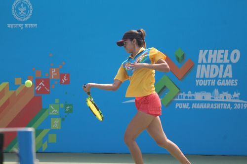 Kaavya Sawhney (UP) in action against Humera Shaik (TS) in U-21 girls tennis at Khelo India Youth Games