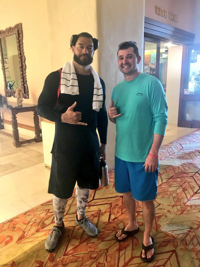 Roman Reings recent picture with his fan