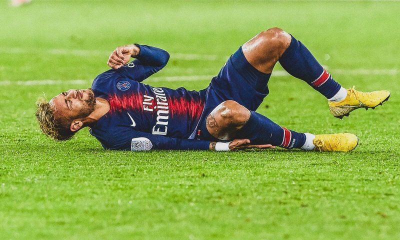Neymar will miss both legs of PSG's Champions League game against Man United