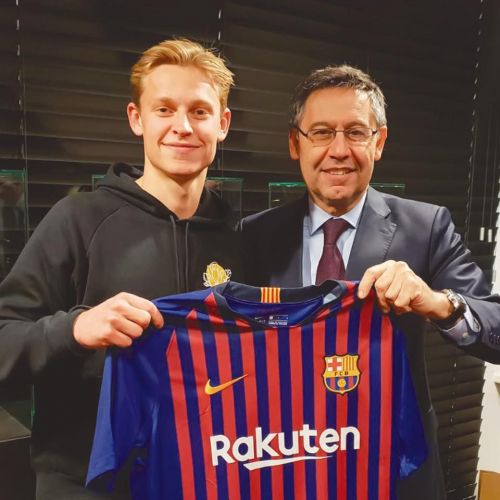 De Jong with FC Barcelona President