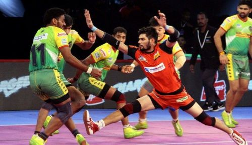 Bengaluru Bulls' skipper Rohit Kumar in action against the Patna Pirates