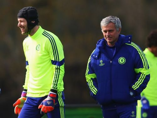 Cech and Mourinho at a Chelsea training session