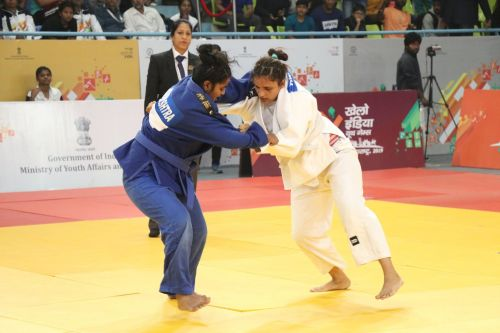 Girls U-21 Below-70kgs gold medallist Tanvin Tamboli (Blue) from Maharashtra in action at Khelo India Youth Games