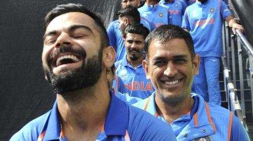 Dhoni asking Kohli -