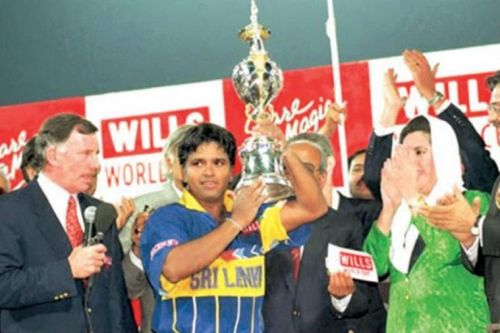Image result for arjuna ranatunga with trophy
