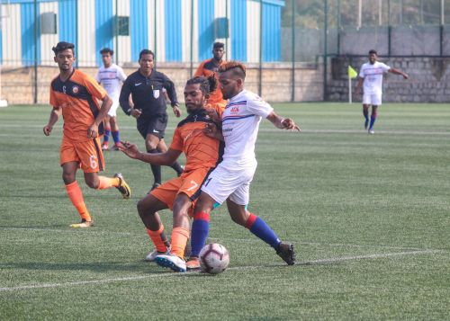 Aaron D'Costa in action against Fateh Hyderabad AFC
