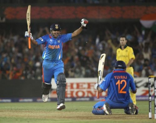 Raina and Yuvraj celebrate India's victory in the quarterfinal