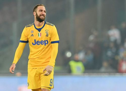 Higuain can be a possible solution for Chelsea's centre forward conundrum