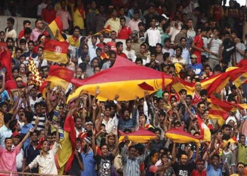East Bengal fans share a fierce rivalry with the Mohun Bagan counterparts