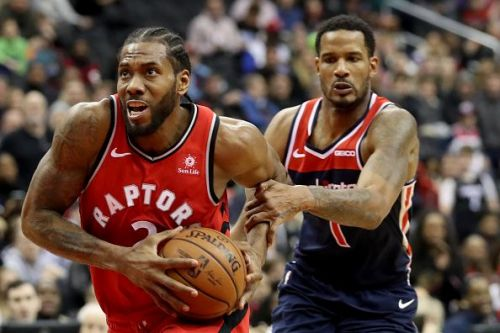 Ariza in action against Kawhi Leonard and the Toronto Raptors