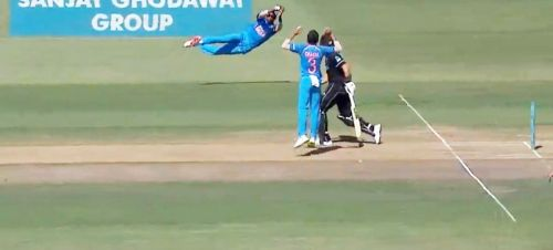 diving catch of pandya