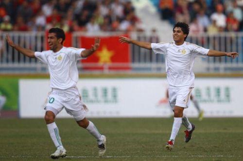 Turkmenistan's Arslanmyrat Amanow no.10 jersey