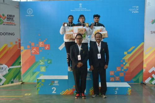 (L-R) Anjali Choudhary (HR), Devanshi Rana (DL) and Abhidnya Ashok Patil (MH) during the medal ceremony of girls U-21 25m pistol competition at Khelo India Youth Games