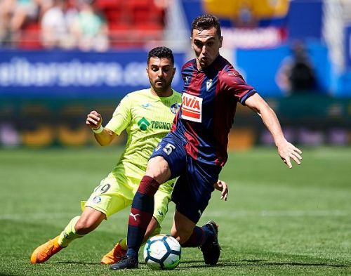Escalante's defensive contributions were disappointing against Barcelona