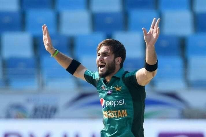 Usman khan picks 4 wickets in 6 balls