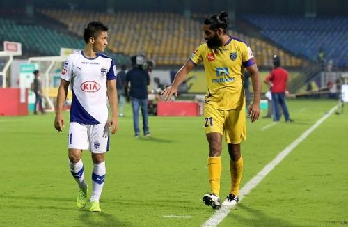 Sunil Chhetri (left) of Bengaluru FC and Sandesh Jhingan of Kerala Blasters