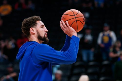 Klay Thompson produces the most points with the least dribbles