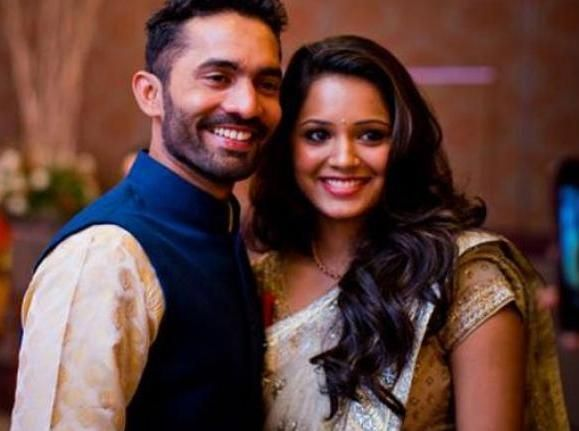 दिनेश कार्तिक अपनी दूसरी पत्नी दीपिका के साथ