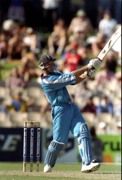 A stubborn innings by Graeme Hick took his team to the final of the 1992 World Cup.
