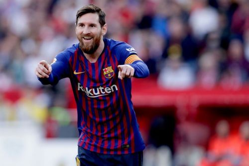 Lionel Messi scored a hat-trick in Barcelona's 4-2 win over Sevilla