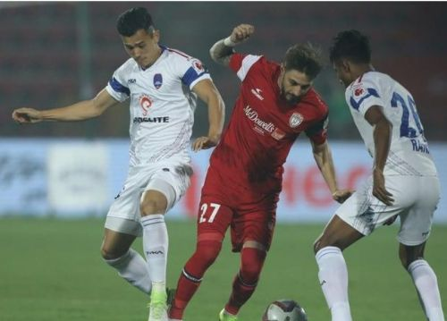 Northeast United struck the crossbar twice and failed to get the better of Delhi Dynamos (Image Courtesy: ISL)