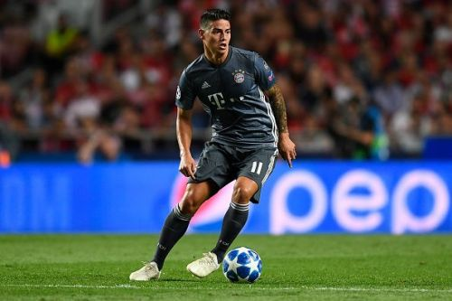 James Rodriguez, playing against SL Benfica during a Group stage game, could replace Muller.