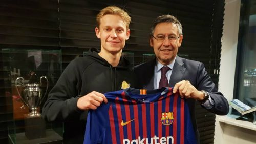 Frenkie de Jong seals a move to Barcelona becoming the clubs 20th ever Dutch player