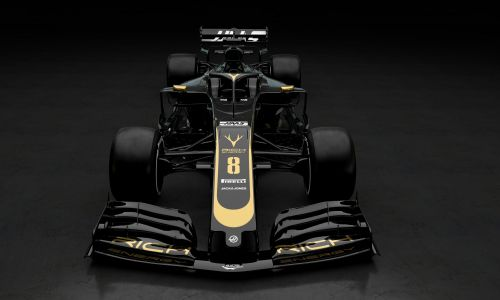 Haas looks serious with a Lotus throwback angle