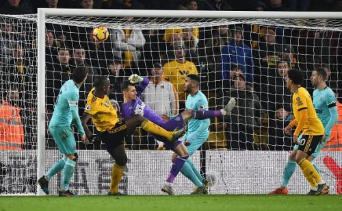 Martin Dúbravka's misjudgment allows Wilfried Boly to score the equaliser in the dying seconds of the game